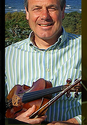 Traditional Scottish Folk Fiddle Music by Soloist Ian Hardie, based in the Highlands of Scotland