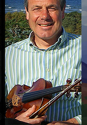 Ian Hardie Traditional Scottish Fiddler Soloist in the Highlands of Scotland